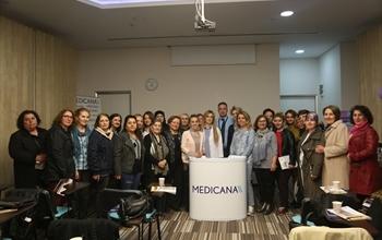 """Medicana Sivas Hastanesi 1-7 Nisan kanser haftası kapsamında """"Ne Demek Olduğunu Bilirim"""" semineri düzenlendi."""
