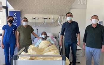 12 Parmak Bağırsağında ki Kaçak Dünyada İkinci Kez Ameliyatsız Kapatıldı