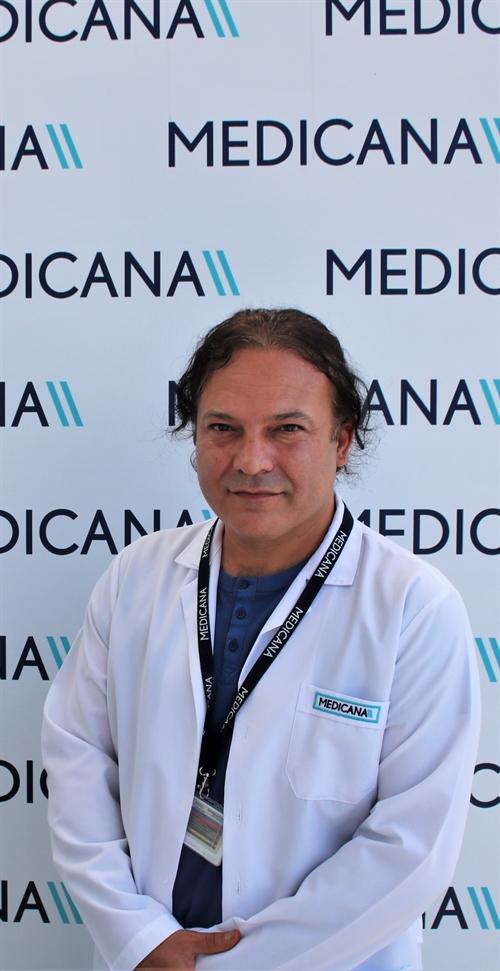 Dr. Hakan Siviş