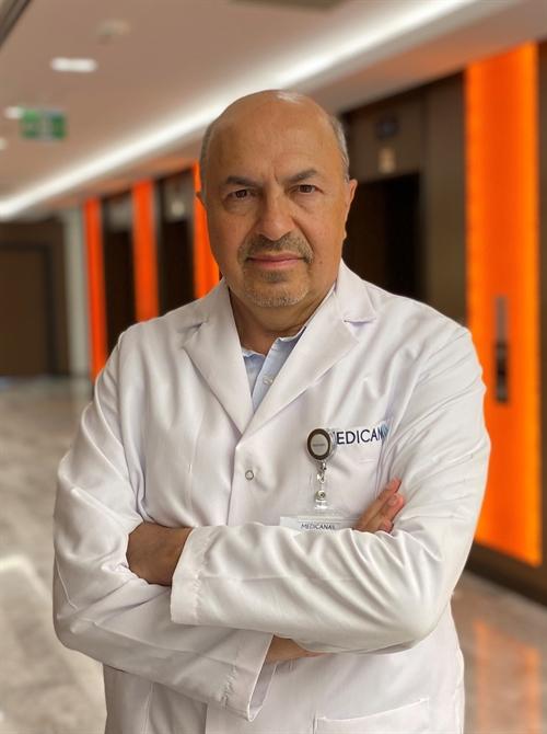 Op. Dr. Mustafa Oğuztöreli