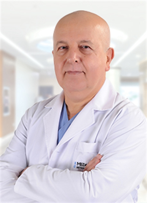 Uzm. Dr. Can Hamsici